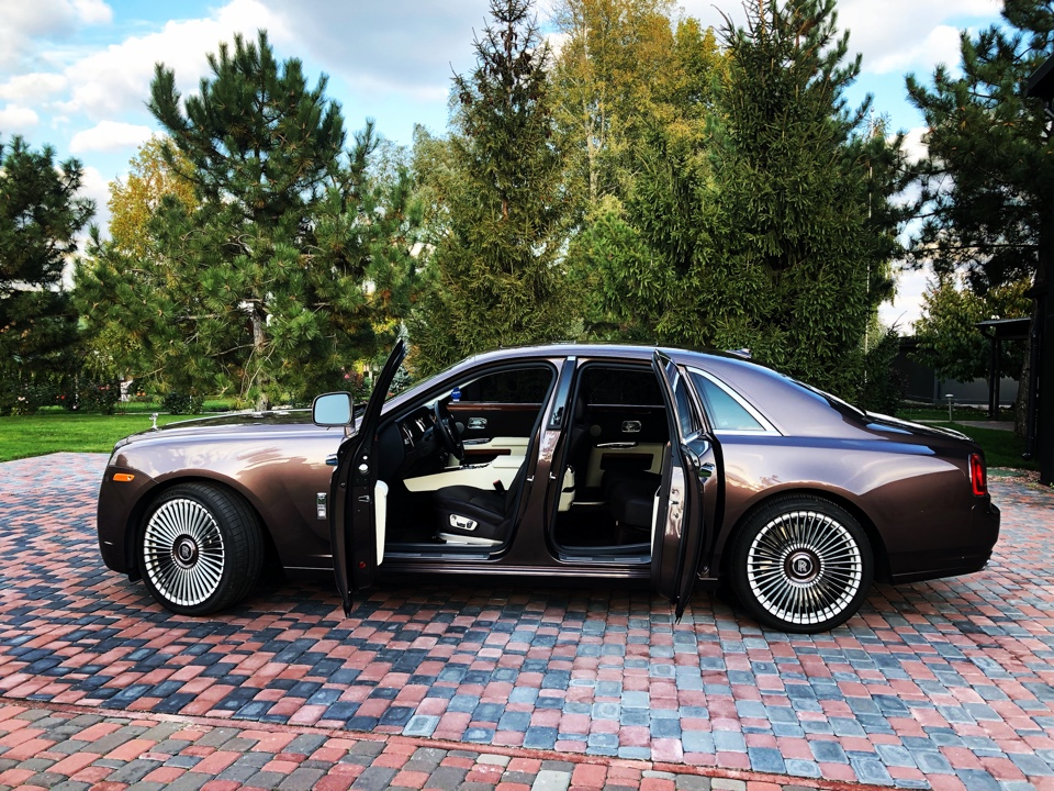 Седан Фото 3 Rolls-Royce Phantom